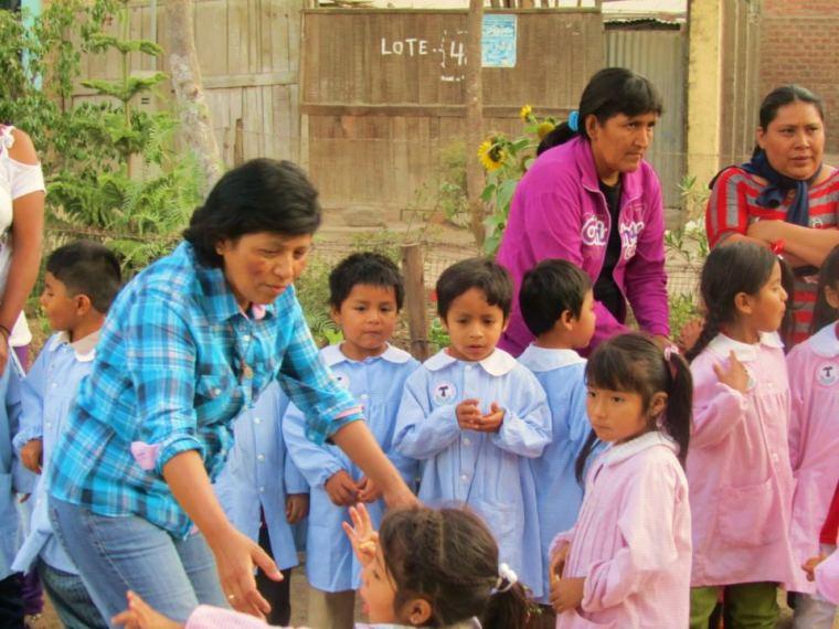 sr rosa with children